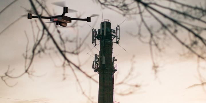 Tornī uzstādītu radioiekārtu mērījumi, izmantojot bezpilota lidaparātu